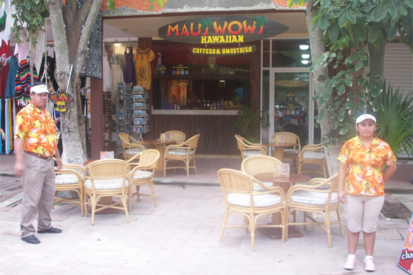 Hawaii in Mexico? A restaurant at the archeological site of Tulum in Quintana Roo, Mexico, is grossly out of context. image: Catalina Ávila LaFrance