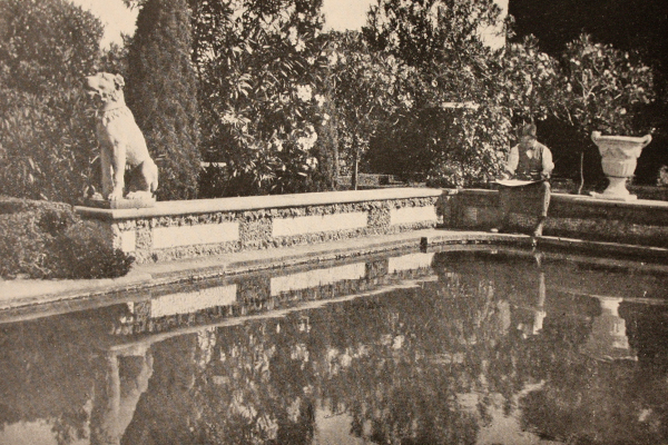 Photo of Lawson sketching at Villa Gamberaia, Settignano, Italy, circa 1916. Photographer unknown. image: James O'Day