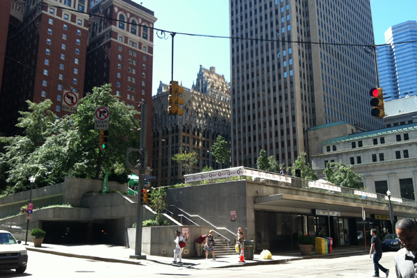 A new terrace, now accessible to pedestrians, has been added to Mellon Square, providing a space for concerts and events to be held. Photo taken July 2013. image: Caeli M. Tolar
