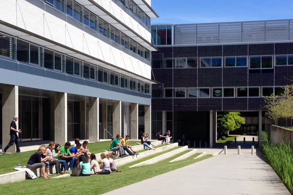 Informal seating in Beaty Courtyard image: Dean Gregory