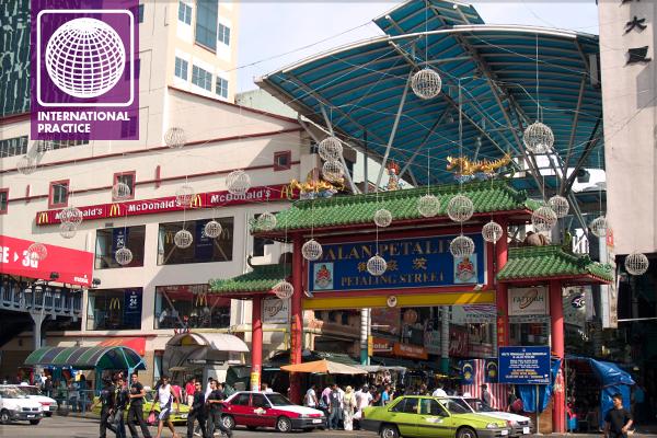 Jalan Petaling (Petaling Street), a traditional location for vendors' stalls in Kuala Lumpur – now modernized image: Erik Mustonen