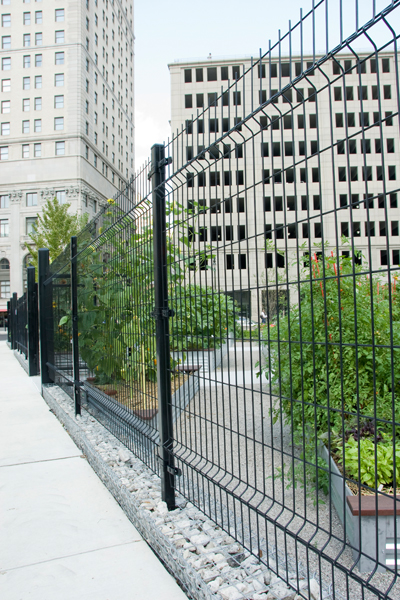 The low-profile fence design at Lafayette Greens image: Beth Hagenbuch