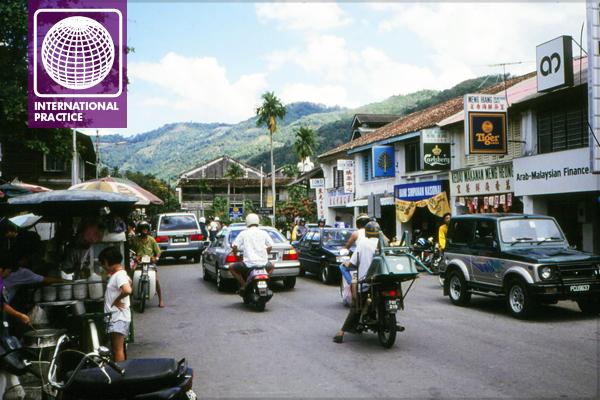 Street scene, Ipoh, Malaysia image: Erik Mustonen