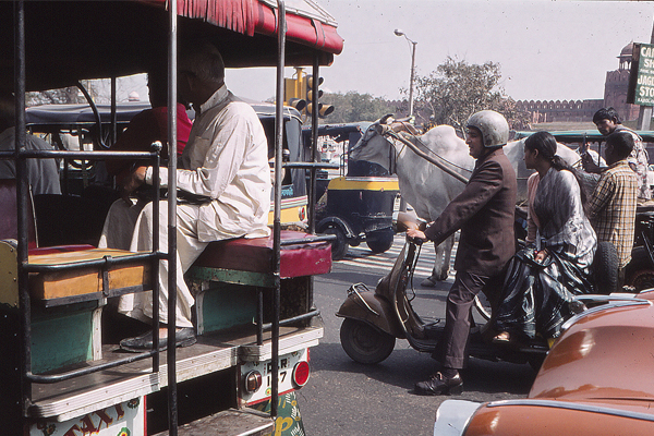 New Delhi traffic (1980) image: Erik Mustonen