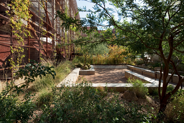 Tucson, AZ - Underwood Family Sonoran Landscape Laboratory, 2010 Honor Award, General Design Category image: Bill Timmerman