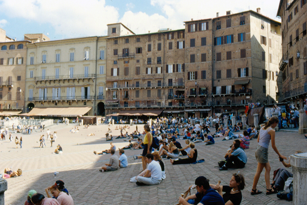 Figure.2 Piazza del Campo, Siena, Tuscany, Italy image: Taner R. Ozdil, 1999
