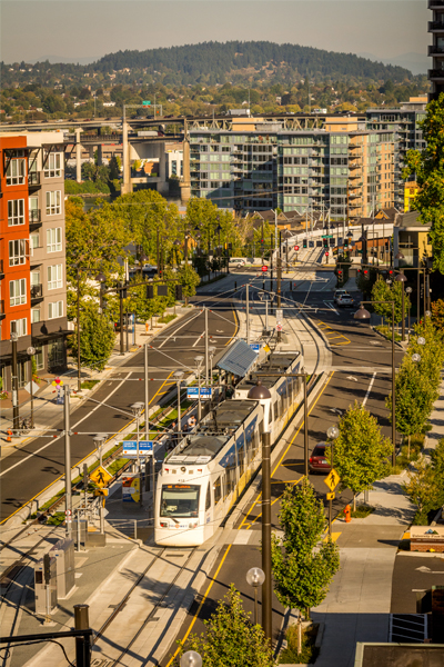 Lincoln Street MAX Station image: ©2015 Bruce Forster Photography / Trimet