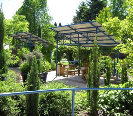 A patient-specific garden at the Oregon Burn Unit, Portland, OR. Designed by Brian Bainnson, ASLA, Quatrefoil Inc. / image: Clare Cooper Marcus